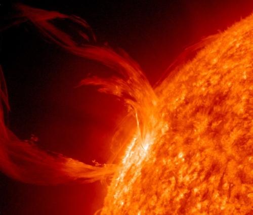 eruption-solaire-mars-2010.jpg